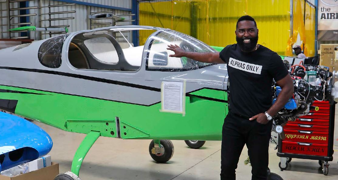 youtube influencer max maxwell at he sling aircraft breakfast fly-in sa flyer